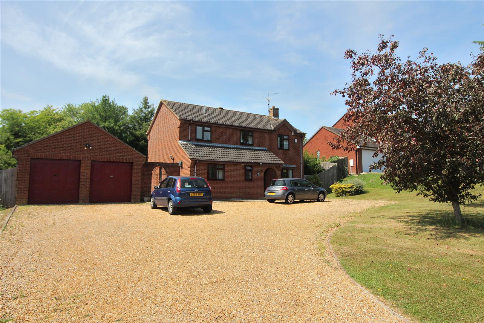 4 Bedrooms House for sale in White Delves, Wellingborough